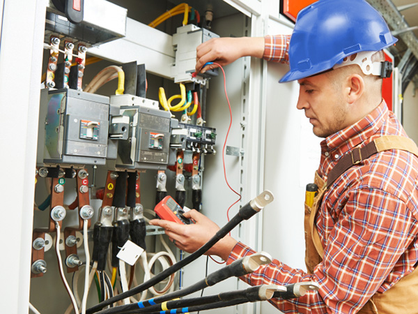 Electrician Highland MI | Dave's Electric Services - indsyst